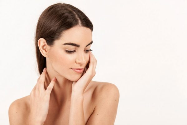 cosè-la-medicina-estetica-viso-donna-1024x683